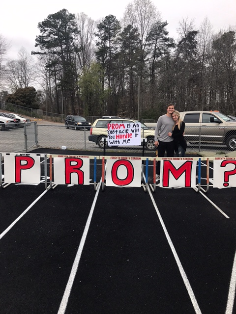 Madison+McKnight%27s+boyfriend%2C+Brad+Thiltgen%2C+asks+her+to+prom.+